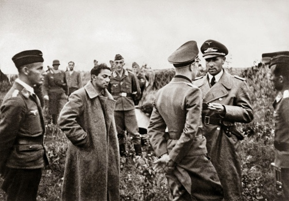 Yakov Dzhugashvili captured by the Germans, 1941