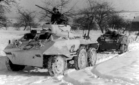 M8´s in winter and summer cammos, Battle of Bulge, 1944